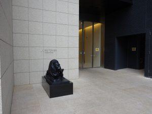 1階エントランス ライオン像かわいい・・・